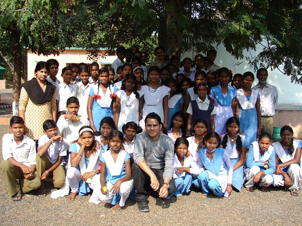 Curiouscity educators with the students from Kohka school