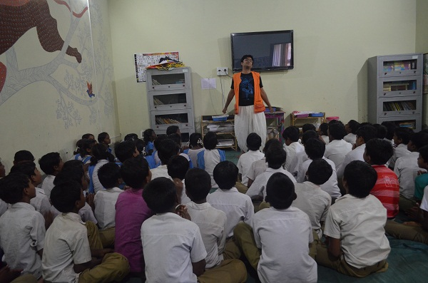 Vikram animated as ever! The students were simply fascinated by his energy and comic movements.